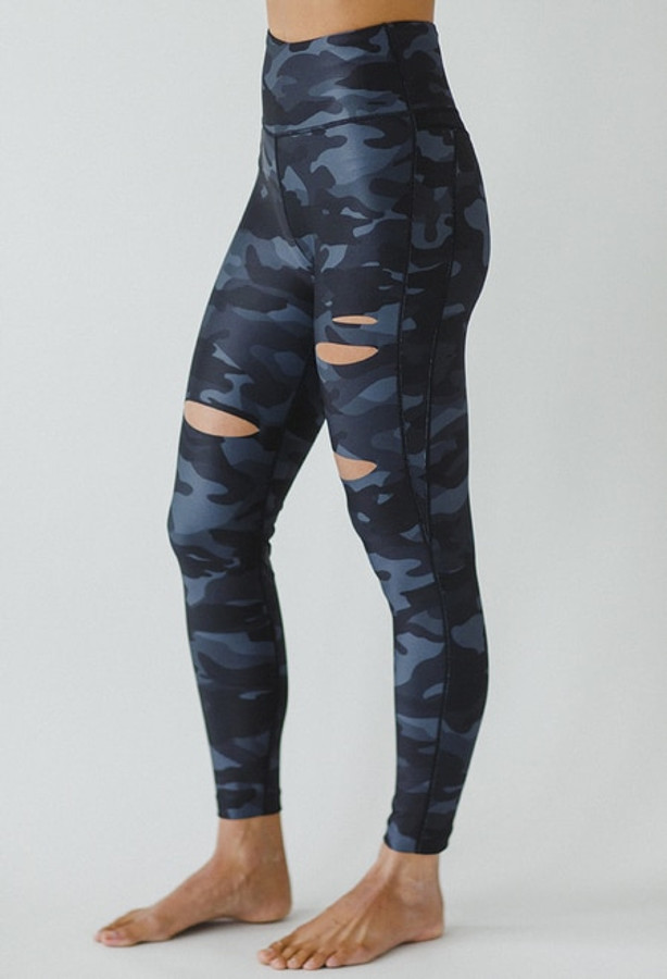 Slashed 7/8 Yoga Legging in Silver Camo