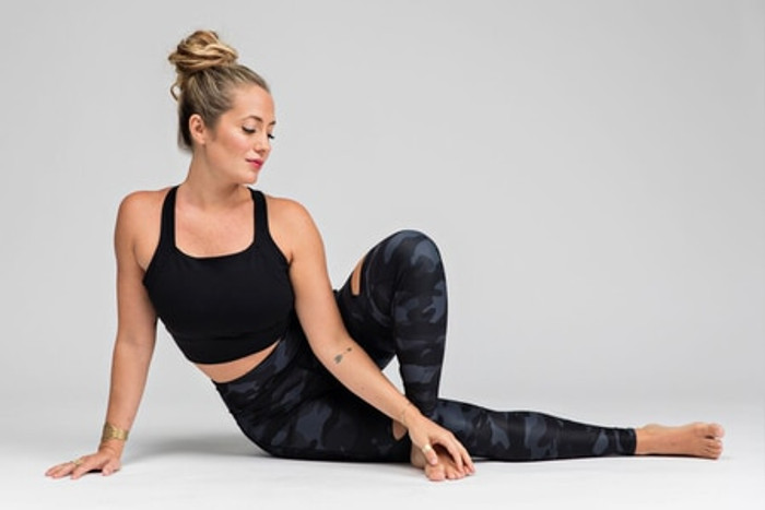 Slashed 7/8 Yoga Legging in Silver Camo