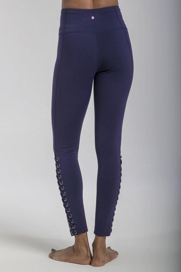 Romance Grommet Yoga Legging (Navy)