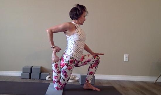 michelle-live-yoga.jpg