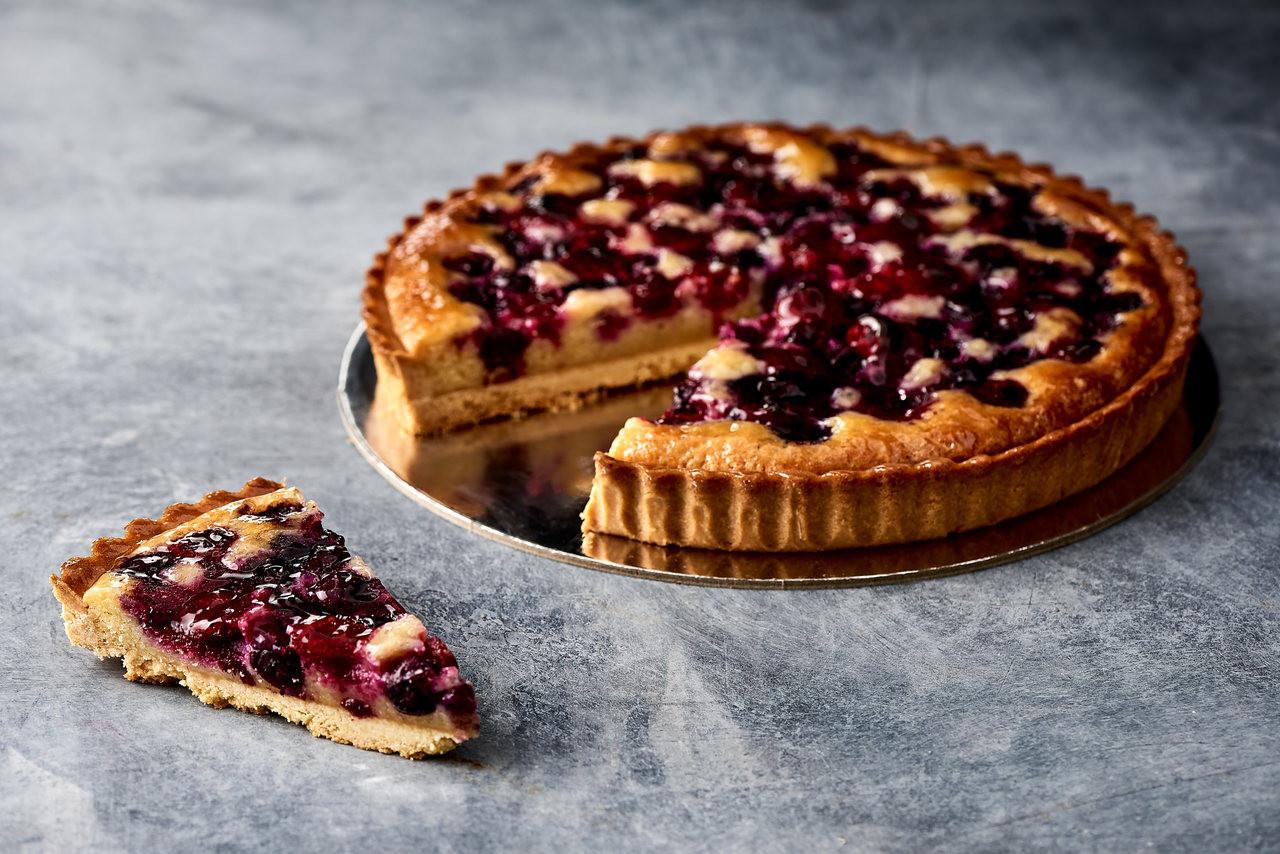 Baked berry tart