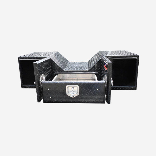 Store Travel and Towing Gear