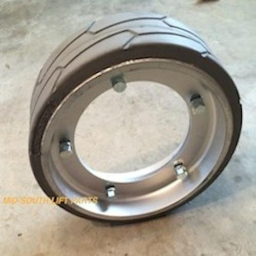 JLG Tire 2915012