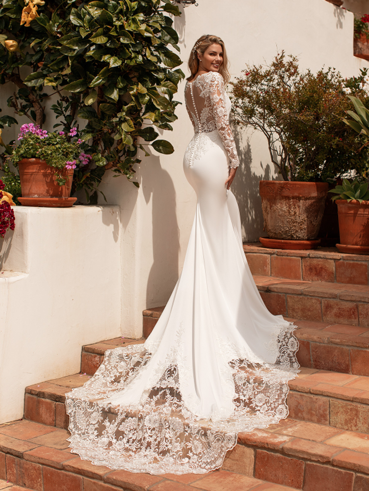 Willow J6774 by Moonlight Bridal