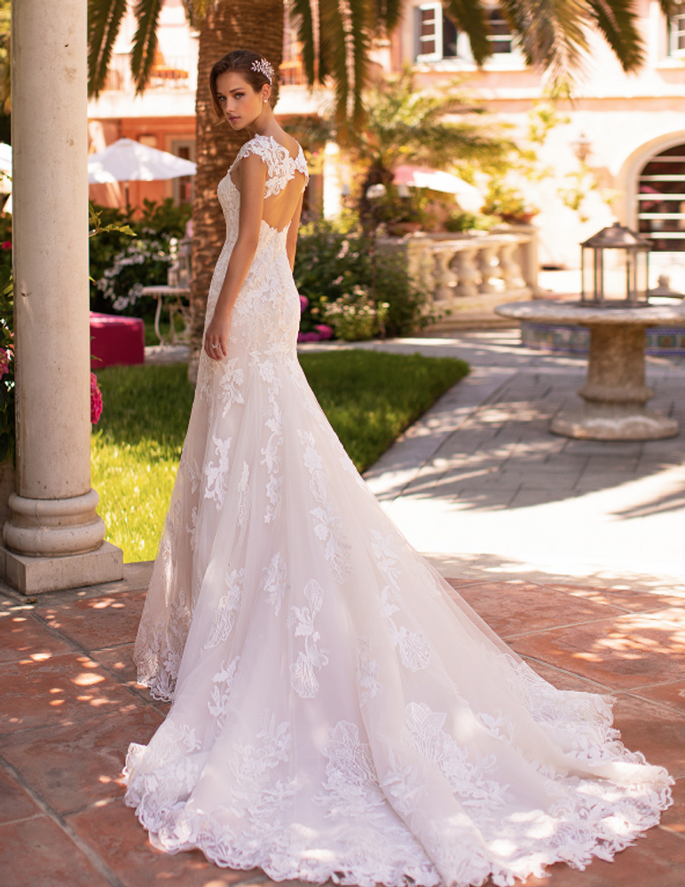 Petal H1427 by Moonlight Bridal