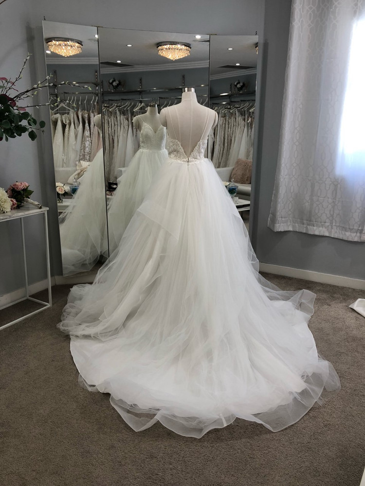 Lavonne by Calla Blanche Bridal in Ivory in size 8
