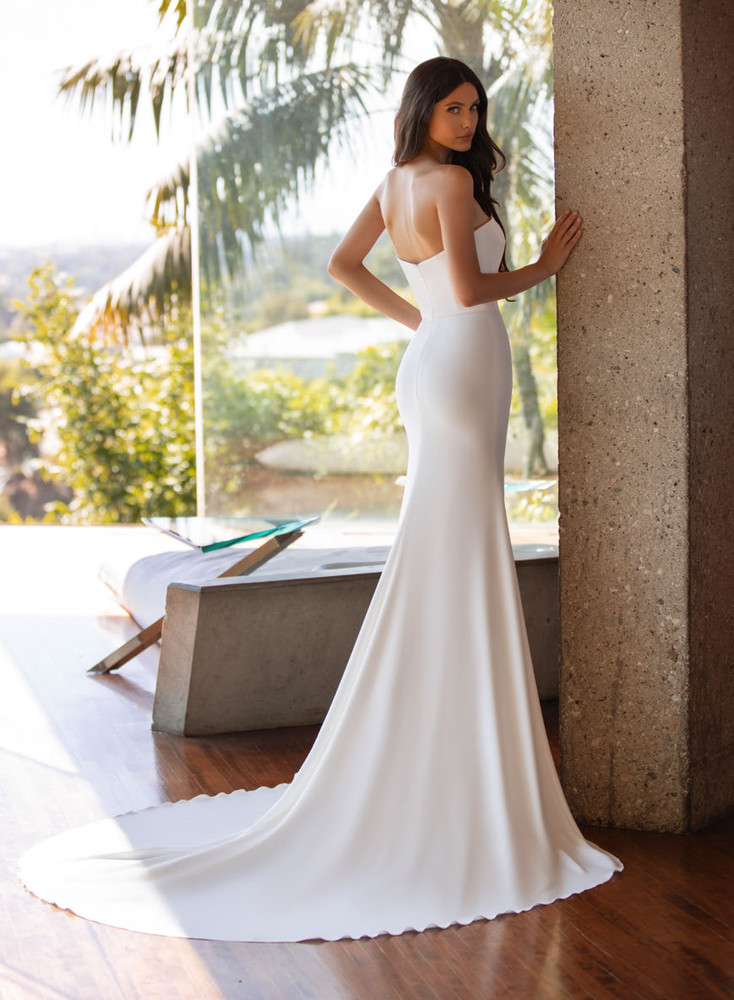 Williams by Pronovias