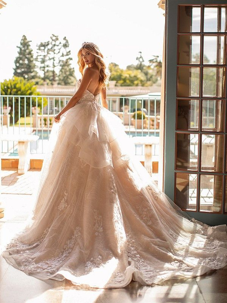Vanna J6797 by Moonlight Bridal