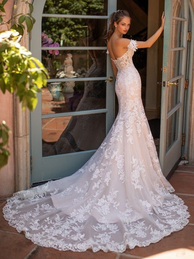 Dacey H1421 by Moonlight Bridal