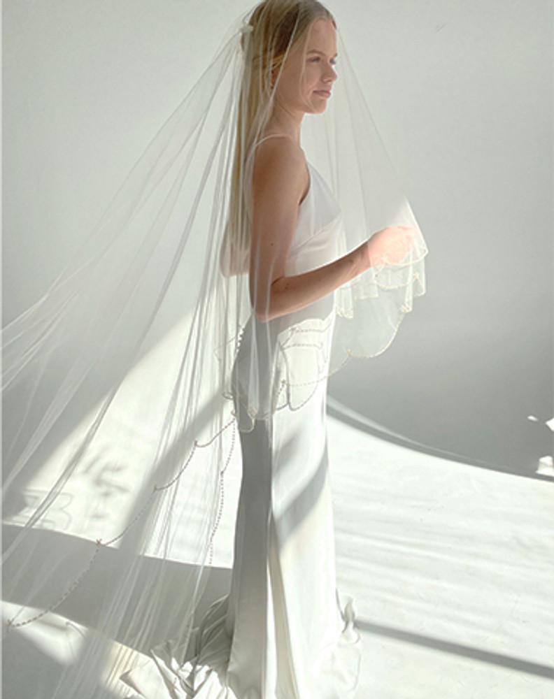 Old World Romance Veil