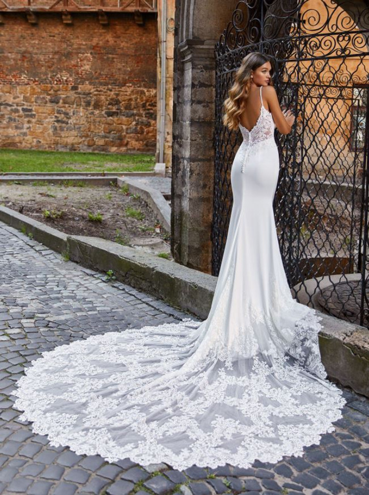 Quinn Wedding Gown H1470 by Moonlight Bridal