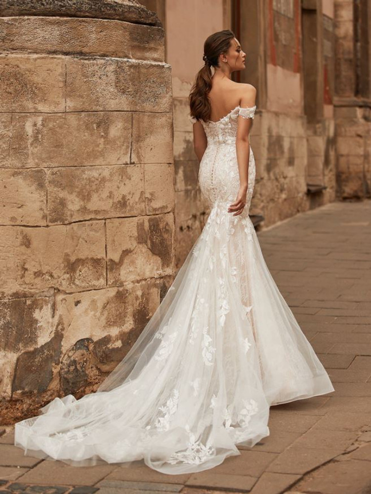 Waverly Wedding Gown J6813 by Moonlight Bridal