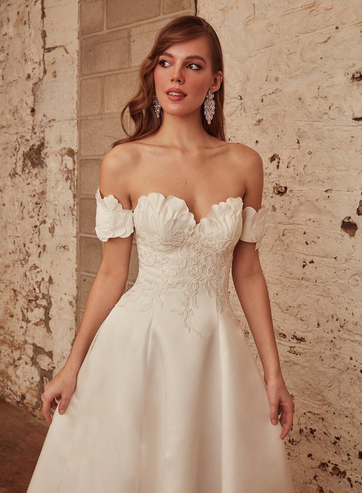 Mahalia from L'amour by Calla Blanche Bridal CBLA21235