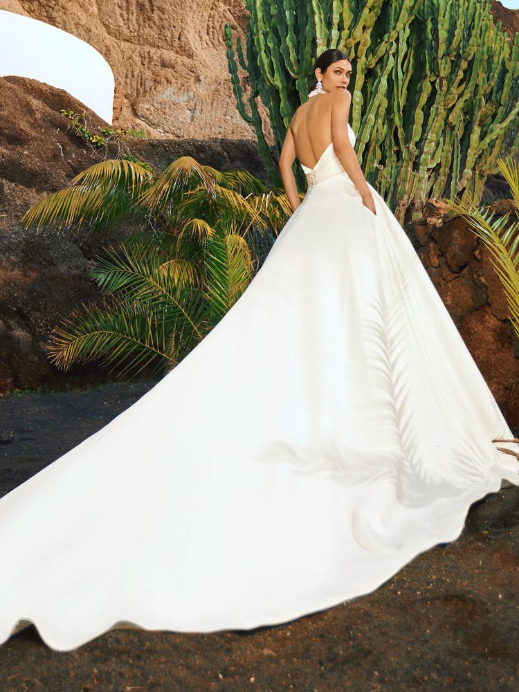 Uluru Wedding Gown by Pronovias Barcelona Bridal