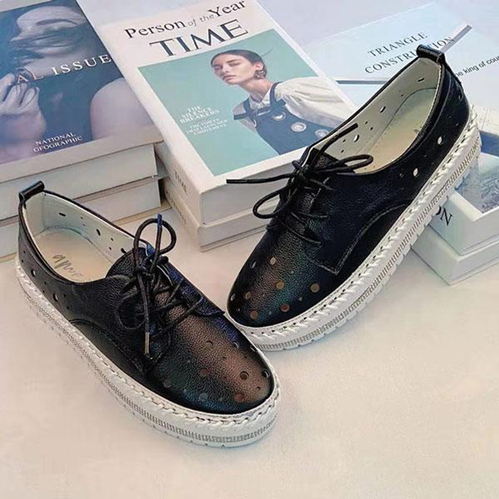 Bella Leather Lace-up Sneakers by Ameise