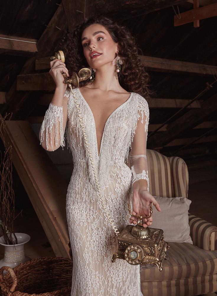 Onyx LP2133 from La Perle by Calla Blanche Bridal