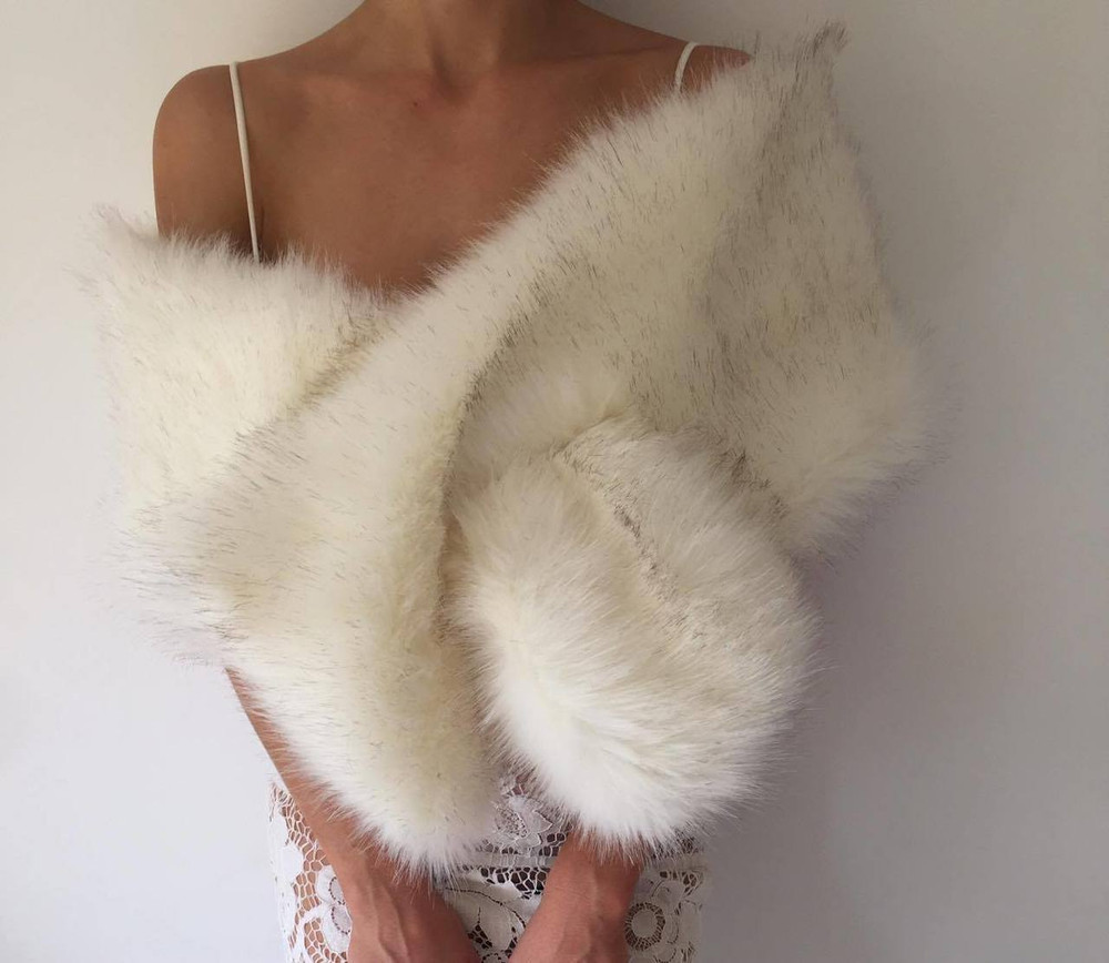 True Romance Fur Shawl White/Brown