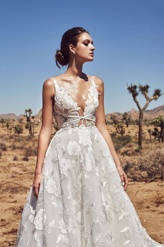 88575fe223 2019 Bridal Trends    Wedding Dresses Online Australia - Fashionably ...