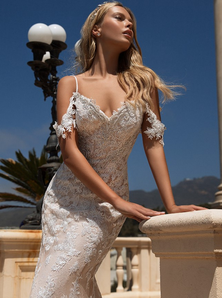 Alice H1377 by Moonlight Bridal