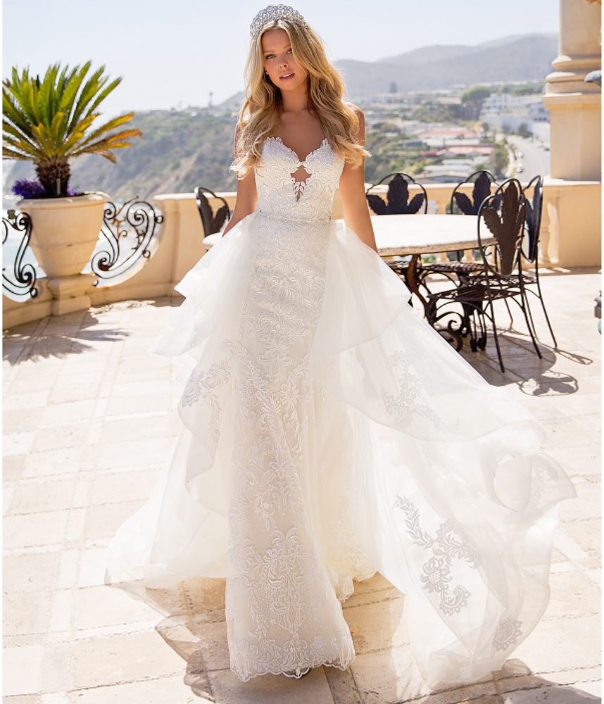 Sadie Lace Wedding Dress with Sweetheart Neckline H1371 by Moonlight Bridal