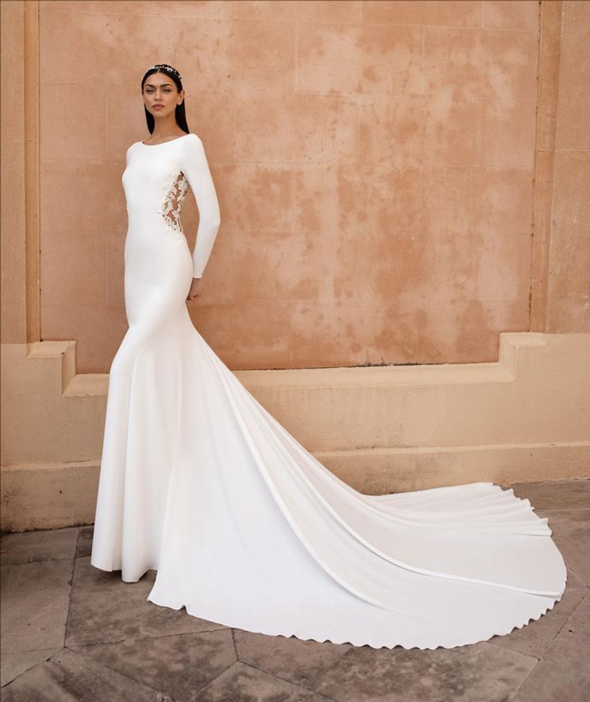 Alauda Wedding Gown By Pronovias Barcelona