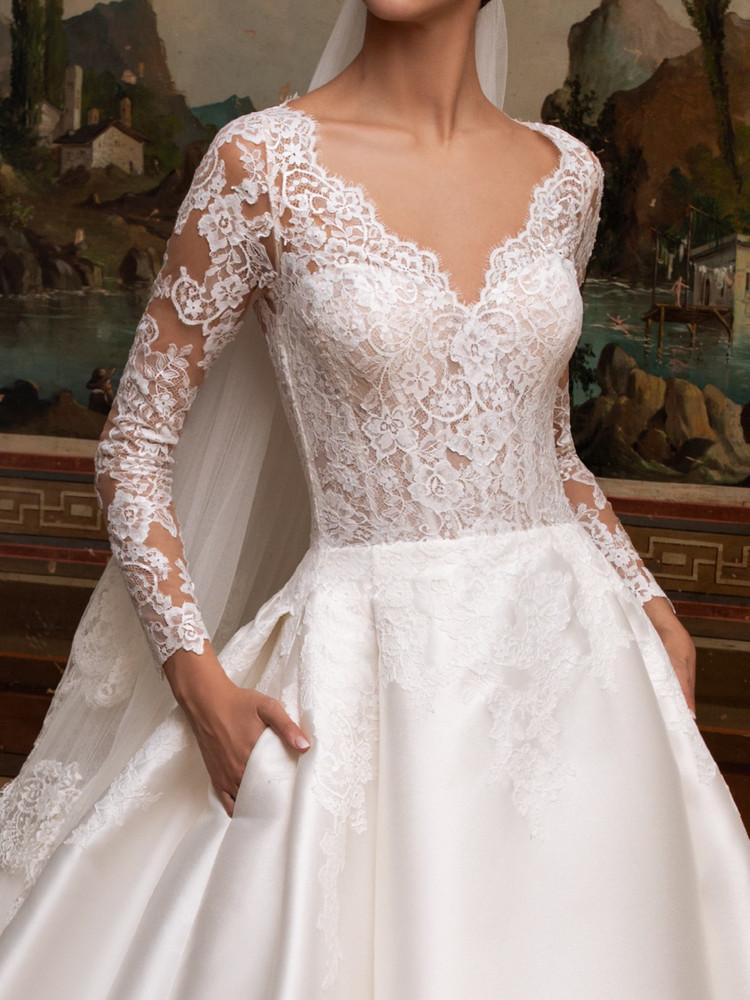 Aubrite Wedding Gown By Pronovias Barcelona