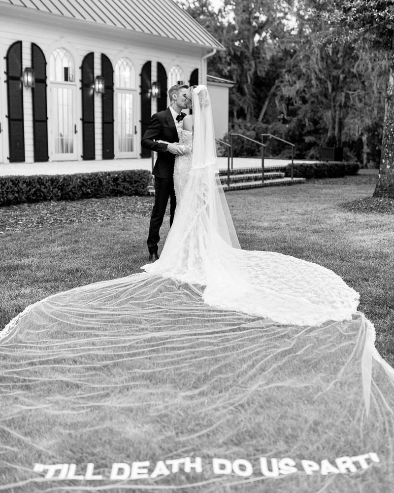 Shop HAILEY BIEBER's bridal look
