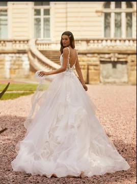 Esmeralda Wedding Gown H1465 by Moonlight Bridal