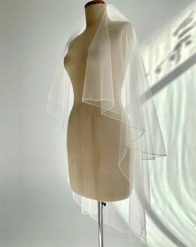 Graceful Fingertip Beaded Veil