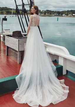 London from Lamour by Calla Blanche Bridal