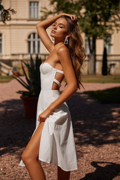 XENA - WHITE STRAPLESS MIDI DRESS WITH SLIT, BUSTIER & STRAPPY BACK