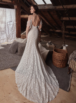 Sapphire LP2128 from La Perle by Calla Blanche Bridal