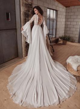 Laurel LP2132 from La Perle by Calla Blanche Bridal