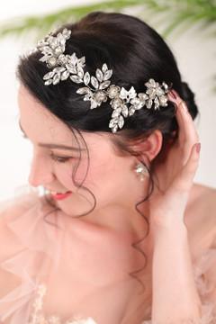 Vintage Silver Metal Flower Bridal crown