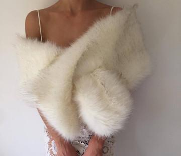 True Romance Fur Shawl White/Brown