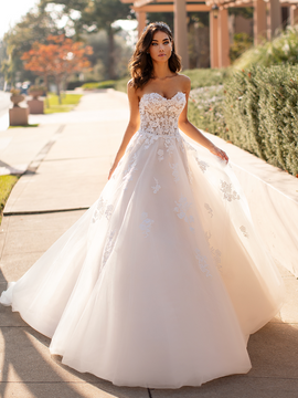 Della J6744 by Moonlight Bridal