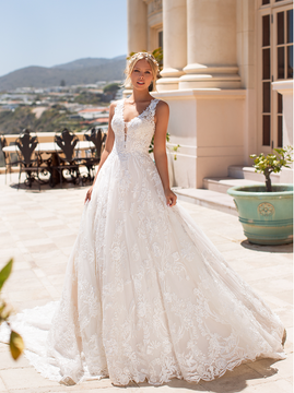 Jennifer H1376 by Moonlight Bridal