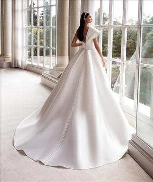 Sedna Wedding Gown By Pronovias Barcelona