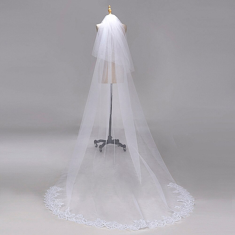 Lisa Wedding Veil with Lace