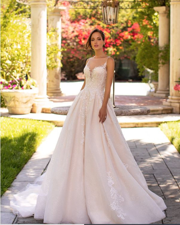 Maddie H1425 by Moonlight Bridal