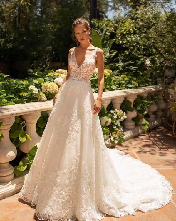 Hannah H1432 by Moonlight Bridal