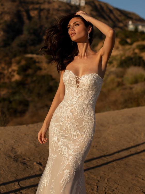 Maclaine by Pronovias