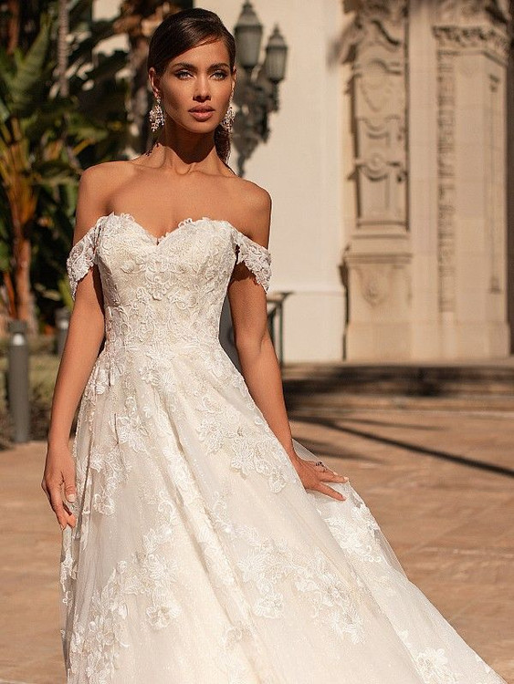Hadley H1449 by Moonlight Bridal