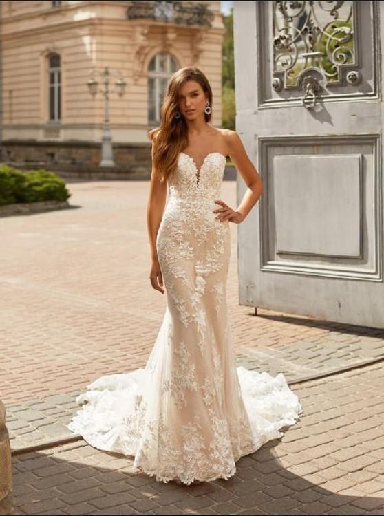 Lyric Wedding Gown H1461 by Moonlight Bridal