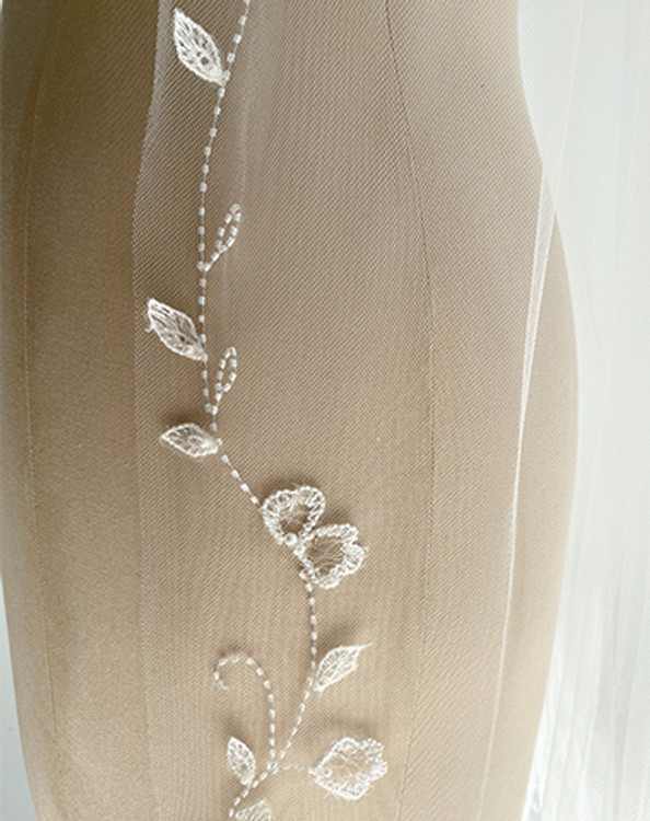Embroidered Vine Veil