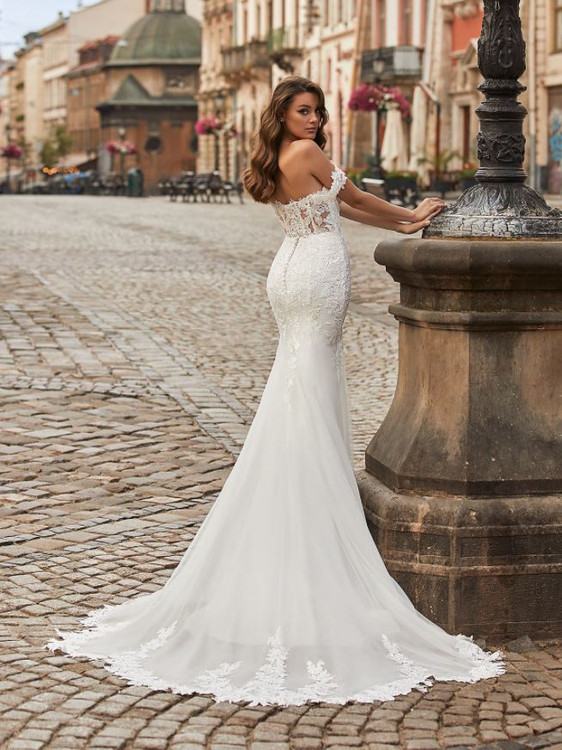 Brielle Wedding Gown J6819 by Moonlight Bridal