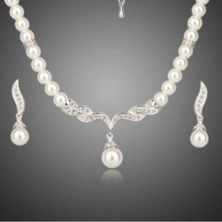 Pearl Strand Necklace and Earring set