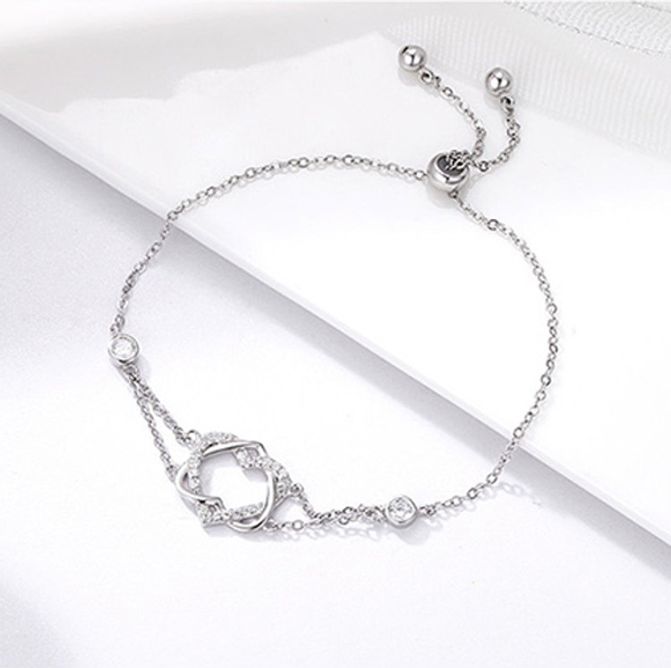 Intertwined Hearts Chain Bracelet