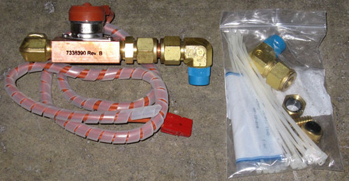 7338390 Rev B - Liquid fitting assembly with 4S14-195-0424 flow meter