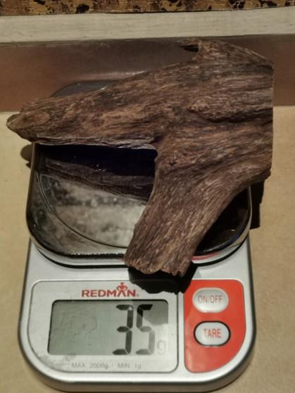 Agarwood/Aloeswood Oud chips, Burma 1 piece 35 grams